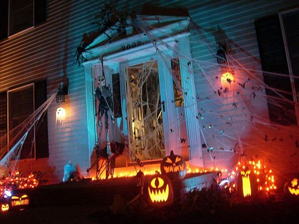 Halloween-housedecoration2