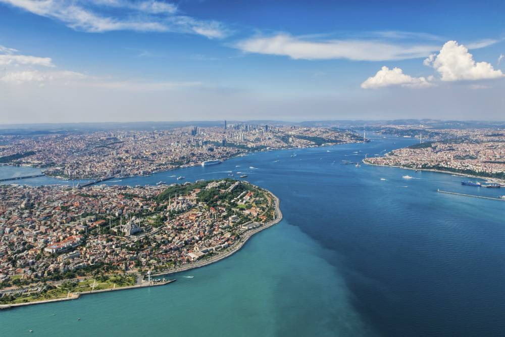 Istanbul lies in 2 countries