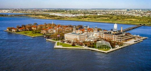 Places to see in New York - Ellis Island